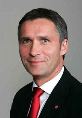 Jens Stoltenberg lovet redusert vekst i offentlige utgifter. (Foto: Bjørn Sigurdsøn)